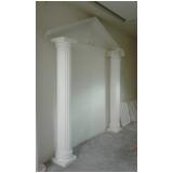 coluna de gesso romana