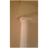 onde tem coluna de gesso romana Pompéia